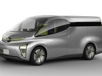 【車】【自動車】これが未来のハイエースか!?カーゴ・ビジネス・アスリートの3モデルを世界初公開